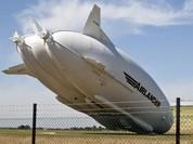 """Video: Phi cơ khủng nhất thế giới """"xoạc cẳng"""" trên đường băng thử nghiệm"""