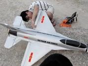 Video: Cận cảnh thú chơi máy bay mô hình cực tốn kém của người Sài Gòn