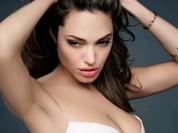 Angelina Jolie sau 25 năm vào showbiz: Từ bầu bĩnh đến... xương xẩu (video)