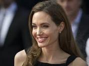 """Video: Sự nghiệp chính trị của Angelina Jolie """"như diều gặp gió"""" sau bão ly hôn"""