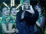 """Video: Samsung tung clip """"dìm hàng"""" cả Apple lẫn Oppo"""