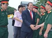 Bộ trưởng Trương Minh Tuấn tặng phim tài liệu cho Học viện Chính trị-Bộ Quốc phòng