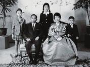 """21 bức ảnh """"biết nói"""" về nữ Tổng thống đầu tiên của Hàn Quốc"""