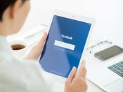 Facebook như con dao hai lưỡi