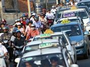 """Hà Nội: Các hãng taxi sắp phải """"đồng phục"""" và cùng sử dụng phần mềm gọi xe?"""