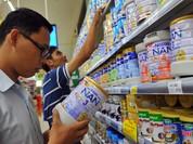 """Bộ Tài chính """"tuýt còi"""" yêu cầu giảm giá sữa"""