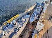 Xem tàu Rolldock Star chở 2 tàu tên lửa từ Mỹ về Ai Cập