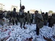 Mỹ ném bom tòa nhà chứa nhiều tiền mặt của IS