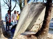 Clip phát hiện mảnh vỡ nghi của máy bay MH370 ở Thái Lan