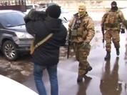 Clip đặc nhiệm Ukraine khám xét Khu Làng Sen của người Việt ở Odessa