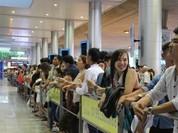 Sân bay Tân Sơn Nhất đón hơn 10.000 Việt kiều về nước ăn Tết