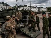 Mỹ ồ ạt đưa vũ khí hạng nặng đến châu Âu chống Nga