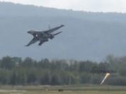 Video cú tiếp đất 'suýt chết' của Su-35 Nga