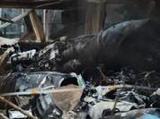 Video khoảnh khắc Su-25 Nga rơi, thiêu cháy... đàn gà 50 con