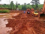 Dân chặn xe chở quặng bauxite vì gây ô nhiễm