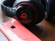 Điều gì khiến smartphone, laptop, tai nghe... từ bỏ thiết kế pin rời?