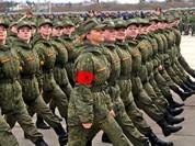Tại sao lính Nga luôn tươi cười khi diễu binh Chiến thắng?
