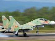 Hai phi công kịp bung dù khi máy bay Su-30MK2 bị sự cố, một phi công vẫn mất tích