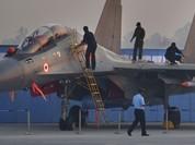 Su-30MKI Ấn Độ bay trình diễn với tên lửa hành trình siêu thanh BrahMos