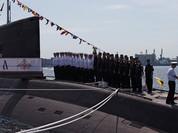 Tàu ngầm Kilo Staryi Oskol của Hải quân Nga tiến vào Biển Đen