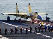J-15 Trung Quốc rơi khi đang huấn luyện, phi công chết dù đã bật dù thoát hiểm