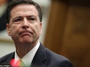 """Giám đốc FBI """"hứng búa rìu"""" dữ dội vì bị tố can thiệp bầu cử"""