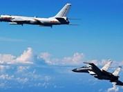 Trung Quốc tung không quân diễn tập vờn quanh Đài Loan