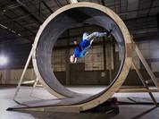 Video: Người đầu tiên chạy được vòng tròn 360 độ trên thế giới