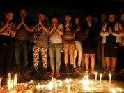 Trung Quốc lật ngược tàu chìm tìm nạn nhân
