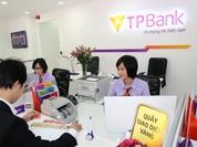 Ngân hàng áp lãi cao cắt cổ với thẻ tín dụng