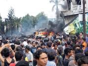 Phi cơ quân sự Indonesia lao xuống khu dân cư,  116 người có thể đã thiệt mạng