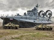 Nga cung cấp cho Trung Quốc các tàu đệm khí Zubr đặt mua tại Ukraine