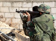 "Binh sĩ quân đội Syria bắn hạ phiến quân ""Front al Nursa"" tấn công"