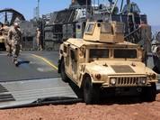 Clip: Lính thủy đánh bộ NATO sa lầy trên bờ biển của đồng minh