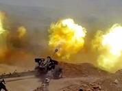 """Clip: Chiến binh đối lập """"xơi"""" đạn pháo quân đội Syria"""