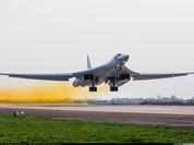 Máy bay ném bom mang tên lửa siêu thanh Tu-160
