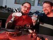 Dịch chuyển tức thời thông tin bằng chùm tia laser