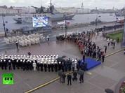 Cuộc diễu hành trong Ngày Hải quân Nga ở Saint-Petersburg, Sevastopol, Crimea (Video)
