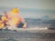 Video: Quân đội Syria phóng tên lửa phá hủy xe chở dầu IS