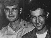 Bay 300 phi vụ không bị bắn rơi và ký ức của viên phi công Mỹ suýt chết tại Việt Nam