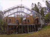 Lạ: Ngôi nhà mùa hè giữa ở không gian lạnh giá (video)