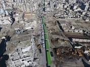 Chiến sự Aleppo: Cận cảnh quân đội Syria áp giải phiến quân khỏi thành phố (video)