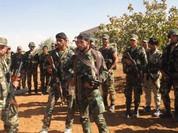 """Tên lửa phủ đầu, quân đội Syria tấn công """"cắt đường sống"""" IS ở Hama"""