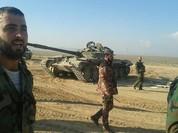 """Video: Hàng chục chiến binh IS phơi thây trước họng súng """"Hổ Syria"""""""