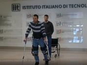 Bộ khung xương robot dành cho cho người ngồi trên xe lăn (video)