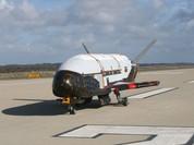 Phi cơ siêu bí mật X-37B Mỹ trở về trái đất sau 718 ngày