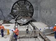 """Tỷ phú Elon Mush với mạng lưới hầm ngầm và công ty """"Chán ngắt"""" (video)"""