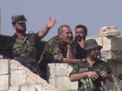 """Cận cảnh """"Hổ Syria"""" đánh chiếm sào huyệt cuối cùng của IS ở đông Aleppo (chùm video)"""