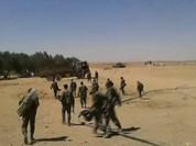 Chiến sự Syria: Mỹ điều pháo phản lực, quân Assad bịt biên giới Iraq (video)