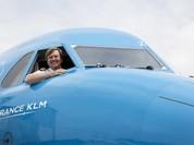 Vua Hà Lan bí mật tham gia lái máy bay thương mại